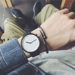Other - ❤️NEW❤️ Unisex Simple Design Leather Watch